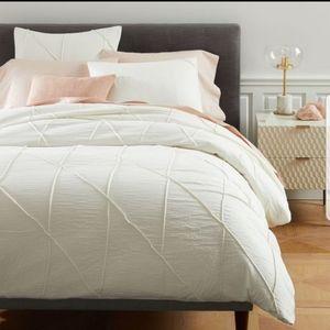 Organic Cotton Pleated Grid King Pillow Shams